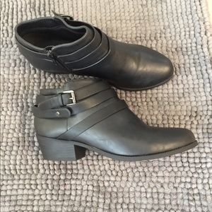 Soda Boots size 8.5 New